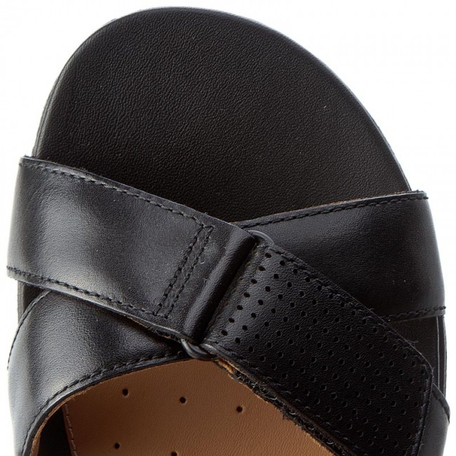 Sandalen CLARKS                                                      Un Saffron 261240634 Black Leather 106c66