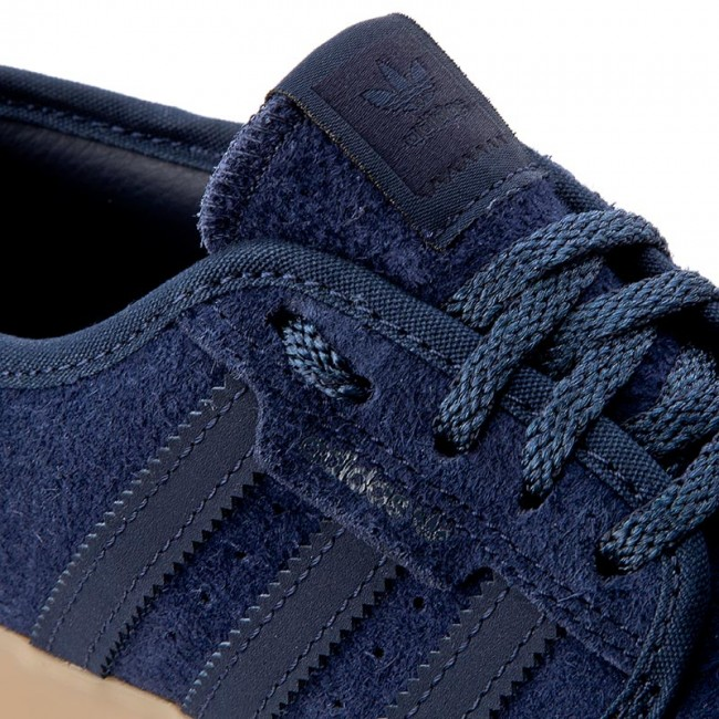 Schuhe adidas                                                      Seeley BY4011 Conavy/Conavy/Gum4 c2002a