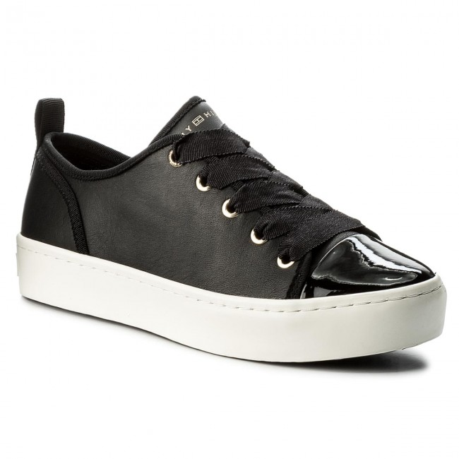 Sneakers TOMMY HILFIGER  Jupiter 3A1 FW0FW02597 Black 990
