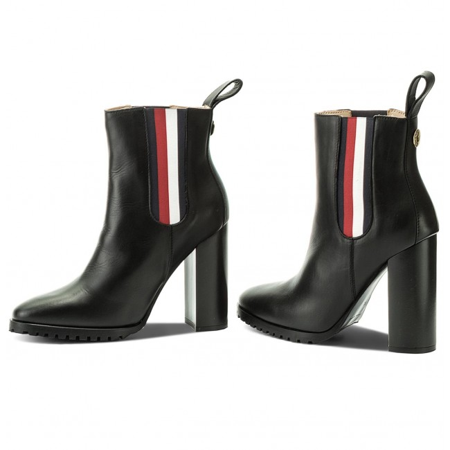 bb4159dcb57d Stiefeletten TOMMY HILFIGER - Gigi Hadid Chelsea Boot FW0FW03018 Black 990