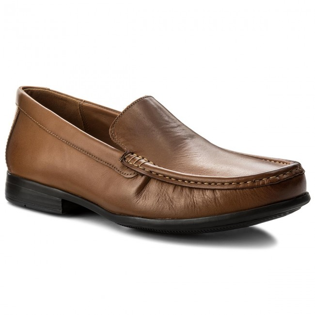 Halbschuhe Mokassins Mokassins CLARKS - Claude Plain 261243167 Tan Leather