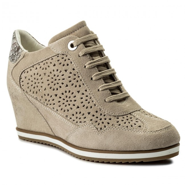 Sneakers GEOX                                                      D Illusion B D8254B 00022 CH65A Lt Taupe/Beige b02a61