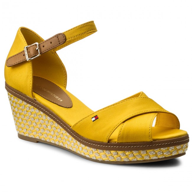 Espadrilles TOMMY HILFIGER                                                    Iconic Elba Sandal Basic FW0FW02648 Old Gold 711