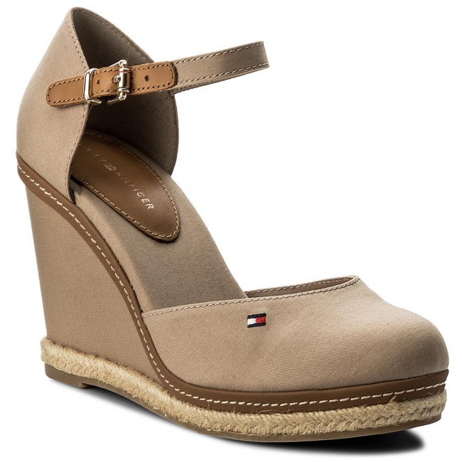 Espadrilles TOMMY HILFIGER                                                      Iconic Basic Closed Toe Wedge FW0FW02791 Cobblestone 068 da86bb