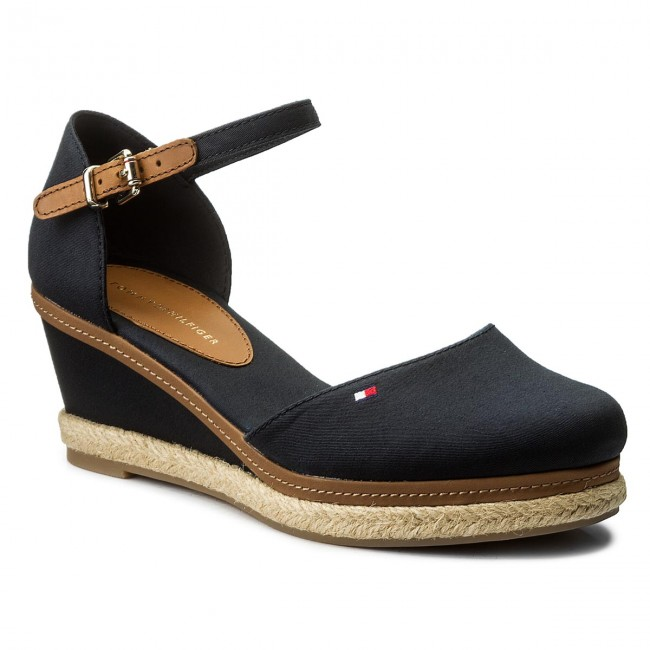 Tommy Hilfiger Damen Iconic Basic Closed Toe Wedge Espadrilles