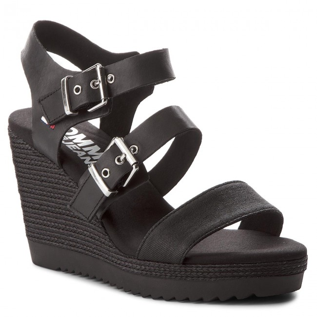 Sandalen TOMMY JEANS Denim Strappy Wedge Sandal EN0EN00195 Black 990