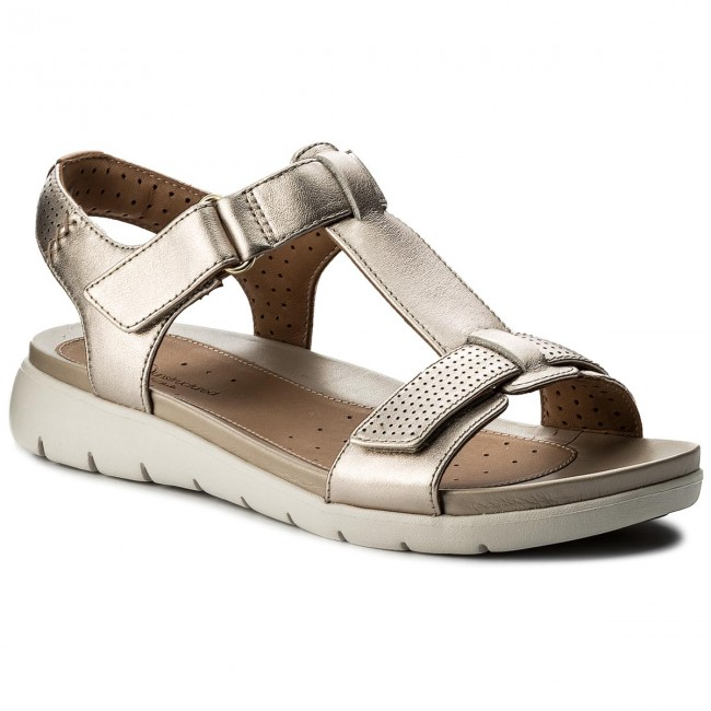 Sandalen CLARKS Un Haywood 261333074 Gold Metallic