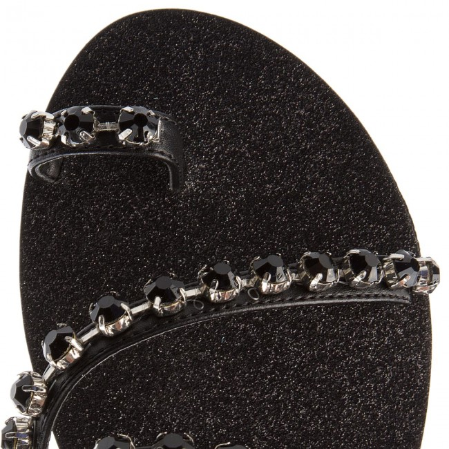 Zehentrenner GUESS                                                      Fortina FLFTI2 LEA03 BLACK ed308a