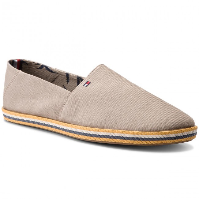 Halbschuhe TOMMY HILFIGER-Easy Summer Slip On FM0FM01803 Cobblestone 068