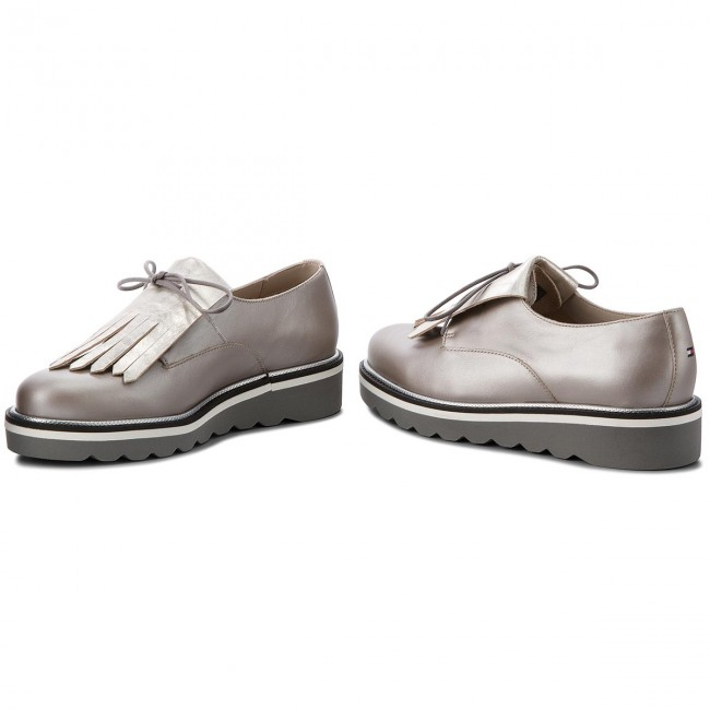 Oxfords TOMMY HILFIGER                                                      Pearlized Leder Lace Up Schuhe FW0FW02937 Moonbeam 009 138993