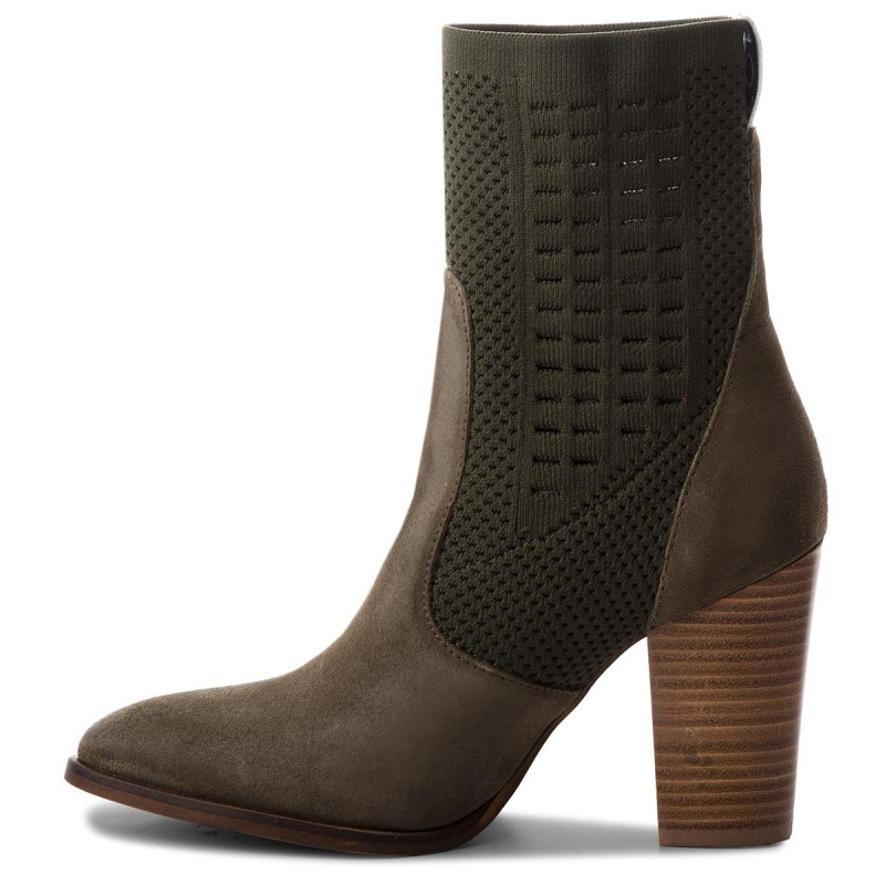 Stiefeletten TOMMY HILFIGER - Knit Heeled Boot FW0FW02941 Dusty Olive 011